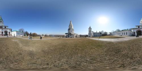 Панорама перед Церковью Вознесения